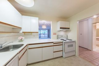 "Photo 3: 310 1710 W 13TH Avenue in Vancouver: Fairview VW Condo for sale in ""PINE RIDGE"" (Vancouver West)  : MLS®# R2384892"