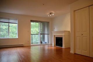 """Photo 4: 311 7000 21ST Avenue in Burnaby: Highgate Townhouse for sale in """"VILLETTA"""" (Burnaby South)  : MLS®# R2387718"""