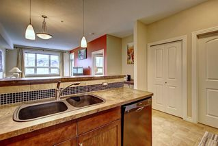 Photo 5: 320 26 VAL GARDENA View SW in Calgary: Springbank Hill Apartment for sale : MLS®# C4266820