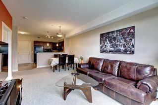 Photo 12: 320 26 VAL GARDENA View SW in Calgary: Springbank Hill Apartment for sale : MLS®# C4266820