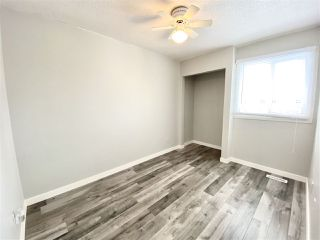 Photo 6: 1032 LAKEWOOD Road N in Edmonton: Zone 29 Townhouse for sale : MLS®# E4188450