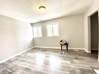Photo 8: 1032 LAKEWOOD Road N in Edmonton: Zone 29 Townhouse for sale : MLS®# E4188450