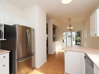 Photo 10: 12 1063 Valewood Trail in VICTORIA: SE Broadmead Row/Townhouse for sale (Saanich East)  : MLS®# 837183