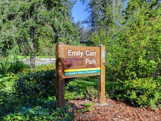 Photo 24: 12 1063 Valewood Trail in VICTORIA: SE Broadmead Row/Townhouse for sale (Saanich East)  : MLS®# 837183