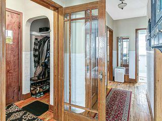 Photo 3: 527 20 AV NW in Calgary: Mount Pleasant Residential for sale : MLS®# C4305149