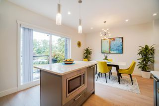 """Photo 15: 202 2277 OAK MEADOWS Drive in Surrey: Grandview Surrey Townhouse for sale in """"SOHO 2"""" (South Surrey White Rock)  : MLS®# R2495621"""