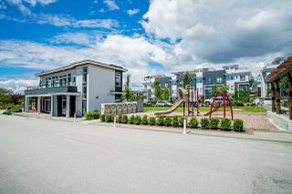 """Photo 35: 202 2277 OAK MEADOWS Drive in Surrey: Grandview Surrey Townhouse for sale in """"SOHO 2"""" (South Surrey White Rock)  : MLS®# R2495621"""