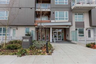 "Photo 2: 513 10581 140 Street in Surrey: Whalley Condo for sale in ""HQ-Thrive"" (North Surrey)  : MLS®# R2520744"