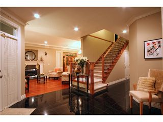 Photo 2: 510 W QUEENS Road in North Vancouver: Upper Lonsdale House for sale : MLS®# V880980