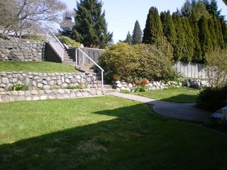 Photo 16: 909 E Keith Rd. in North Vancouver: Calverhall House for sale : MLS®# V884429