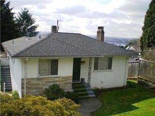 Photo 1: 909 E Keith Rd. in North Vancouver: Calverhall House for sale : MLS®# V884429