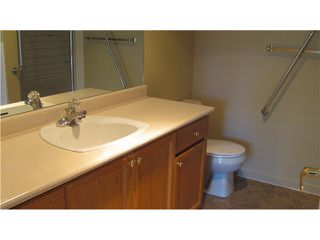 """Photo 6: 302 74 RICHMOND Street in New Westminster: Fraserview NW Condo for sale in """"GOVERNOR'S COURT"""" : MLS®# V889527"""