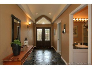 Photo 2: 880 Christina Place in Kelowna: Residential Detached for sale : MLS®# 10056050