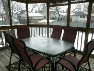 Photo 18: 92 Coopman Crescent in Winnipeg: Residential for sale