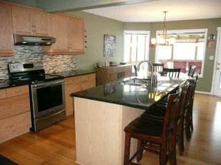Photo 6: 92 Coopman Crescent in Winnipeg: Residential for sale