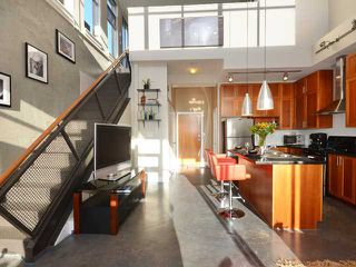 """Photo 2: 605 2635 PRINCE EDWARD Street in Vancouver: Mount Pleasant VE Condo for sale in """"SOMA LOFTS"""" (Vancouver East)  : MLS®# V1046232"""