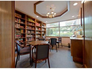 Photo 3: 202 15111 RUSSELL Avenue: White Rock Condo for sale (South Surrey White Rock)  : MLS®# F1404404