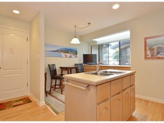 """Photo 7: 112 1770 128TH Street in Surrey: Crescent Bch Ocean Pk. Townhouse for sale in """"Palisades"""" (South Surrey White Rock)  : MLS®# F1407469"""