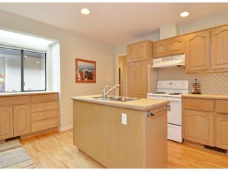 """Photo 5: 112 1770 128TH Street in Surrey: Crescent Bch Ocean Pk. Townhouse for sale in """"Palisades"""" (South Surrey White Rock)  : MLS®# F1407469"""