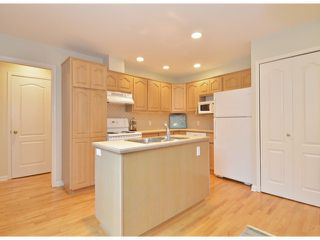 """Photo 6: 112 1770 128TH Street in Surrey: Crescent Bch Ocean Pk. Townhouse for sale in """"Palisades"""" (South Surrey White Rock)  : MLS®# F1407469"""
