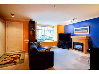 """Photo 5: 41 7488 SOUTHWYNDE Avenue in Burnaby: South Slope Townhouse for sale in """"LEDGESTONE 1"""" (Burnaby South)  : MLS®# V1110457"""
