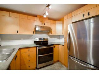 """Photo 1: 41 7488 SOUTHWYNDE Avenue in Burnaby: South Slope Townhouse for sale in """"LEDGESTONE 1"""" (Burnaby South)  : MLS®# V1110457"""