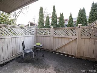 Photo 17: 2 1241 Santa Rosa Ave in VICTORIA: SW Strawberry Vale Row/Townhouse for sale (Saanich West)  : MLS®# 725343