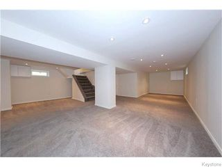 Photo 17: 551 Beaverbrook Street in Winnipeg: River Heights / Tuxedo / Linden Woods Residential for sale (South Winnipeg)  : MLS®# 1616320
