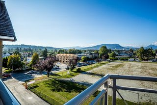 "Photo 18: 206 2285 PITT RIVER Road in Port Coquitlam: Central Pt Coquitlam Condo for sale in ""SHAUGHNESSEY MANOR"" : MLS®# R2097343"