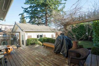 Photo 16: 15620 RUSSELL Avenue: White Rock House for sale (South Surrey White Rock)  : MLS®# R2140276