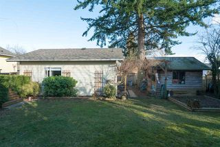 Photo 18: 15620 RUSSELL Avenue: White Rock House for sale (South Surrey White Rock)  : MLS®# R2140276