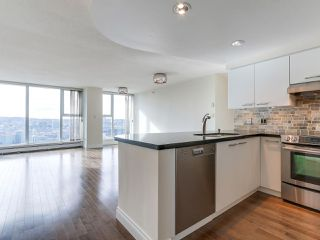 "Photo 3: 3505 1009 EXPO Boulevard in Vancouver: Yaletown Condo for sale in ""Landmark 33"" (Vancouver West)  : MLS®# R2141012"