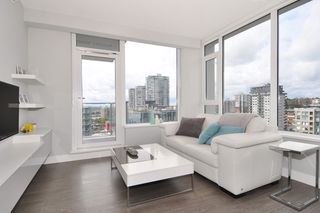"""Photo 3: 1903 668 COLUMBIA Street in New Westminster: Quay Condo for sale in """"TRAPP+HOLBROOK"""" : MLS®# R2156236"""
