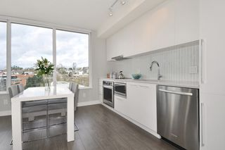 """Photo 6: 1903 668 COLUMBIA Street in New Westminster: Quay Condo for sale in """"TRAPP+HOLBROOK"""" : MLS®# R2156236"""