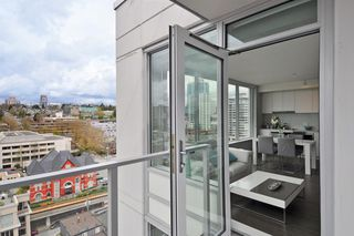 """Photo 13: 1903 668 COLUMBIA Street in New Westminster: Quay Condo for sale in """"TRAPP+HOLBROOK"""" : MLS®# R2156236"""