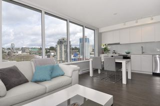 """Photo 5: 1903 668 COLUMBIA Street in New Westminster: Quay Condo for sale in """"TRAPP+HOLBROOK"""" : MLS®# R2156236"""