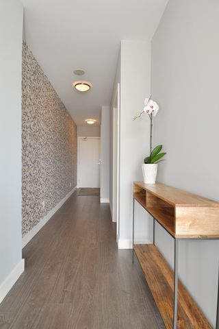 """Photo 10: 1903 668 COLUMBIA Street in New Westminster: Quay Condo for sale in """"TRAPP+HOLBROOK"""" : MLS®# R2156236"""