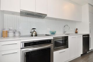 """Photo 7: 1903 668 COLUMBIA Street in New Westminster: Quay Condo for sale in """"TRAPP+HOLBROOK"""" : MLS®# R2156236"""