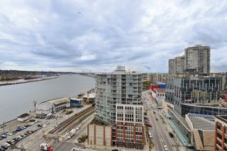"""Photo 1: 1903 668 COLUMBIA Street in New Westminster: Quay Condo for sale in """"TRAPP+HOLBROOK"""" : MLS®# R2156236"""