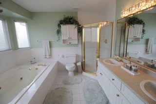 """Photo 14: 20825 43 Avenue in Langley: Brookswood Langley House for sale in """"Cedar Ridge"""" : MLS®# R2160707"""