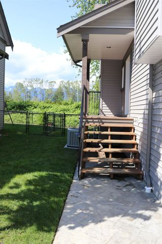 "Photo 9: 38 45085 WOLFE Road in Chilliwack: Chilliwack W Young-Well Townhouse for sale in ""Townsend Terrace"" : MLS®# R2163882"