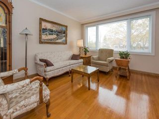 Photo 2: 124 Thicketwood Drive in Toronto: Eglinton East House (Bungalow) for sale (Toronto E08)  : MLS®# E3807933