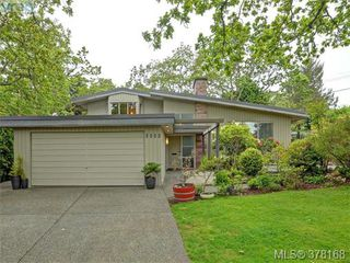 Photo 1: 3552 Kelsey Place in VICTORIA: OB Henderson Single Family Detached for sale (Oak Bay)  : MLS®# 378168