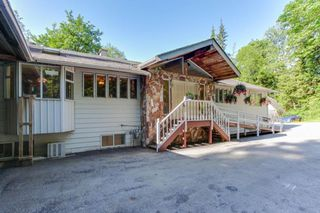 Photo 2: 27132 DEWDNEY TRUNK Road in Maple Ridge: Northeast House for sale : MLS®# R2173770