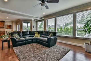 Photo 4: 21645 92B Avenue in Langley: Walnut Grove House for sale : MLS®# R2174739