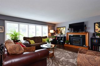 "Photo 4: 15701 GOGGS Avenue: White Rock House for sale in ""WHITE ROCK"" (South Surrey White Rock)  : MLS®# R2178923"