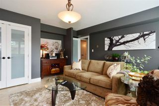 "Photo 15: 15701 GOGGS Avenue: White Rock House for sale in ""WHITE ROCK"" (South Surrey White Rock)  : MLS®# R2178923"