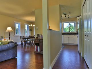 Photo 4: 504 W First Ave in QUALICUM BEACH: PQ Qualicum Beach House for sale (Parksville/Qualicum)  : MLS®# 763328