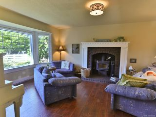 Photo 5: 504 W First Ave in QUALICUM BEACH: PQ Qualicum Beach House for sale (Parksville/Qualicum)  : MLS®# 763328