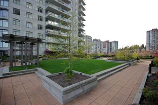 "Photo 14: 1010 888 CARNARVON Street in New Westminster: Downtown NW Condo for sale in ""MARINUS AT PLAZA 88"" : MLS®# R2183678"